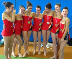 gymnastes souriantes